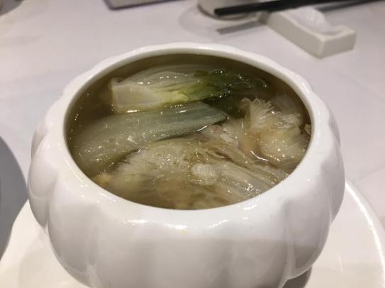 chicken sharksfin soup - HK$28