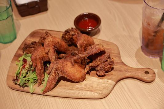 chicken wings - 5 for S$5.80
