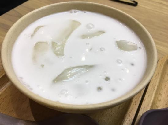 sago with palm fruit 海底椰西米露@ honeymoon dessert 满记甜品