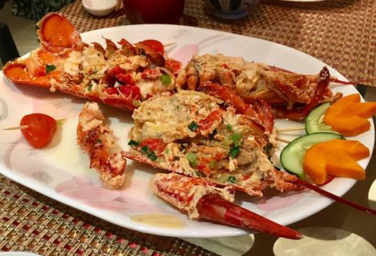 lobster in superior stock 龙虾上汤焗