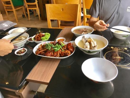 RI friends 4pax bakuteh lunch