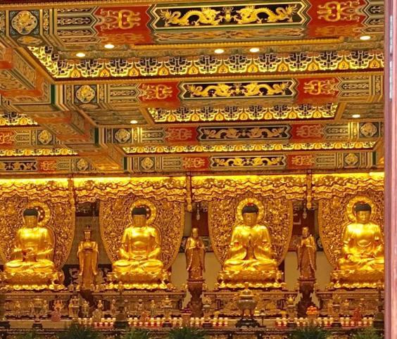 grand hall of the 10,000 buddhas