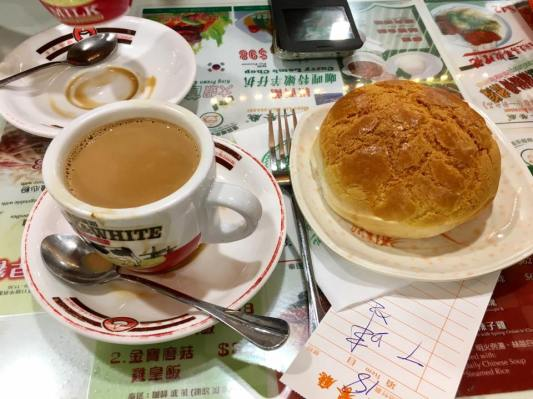polo buns 菠萝包 @ hong lin restaurant 康年餐厅