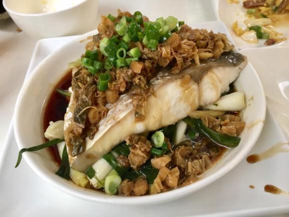 steamed grass carp @ minsheng daipaidong 民声冰室