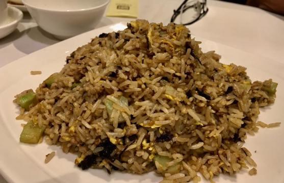 olive vegetable fried rice - 橄榄菜肉碎芥兰粒炒饭 = HK$98