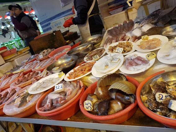 shau kei wan street market - seafood
