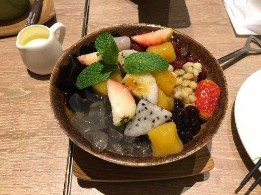 mixed fruit sago dessert @ teawood 茶木 cafe at tung chun
