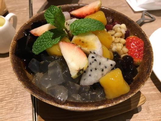 mixed fruit sago dessert @ teawood 茶木 cafe at tung chun
