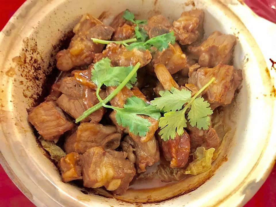 spicy bean paste pork soft bones