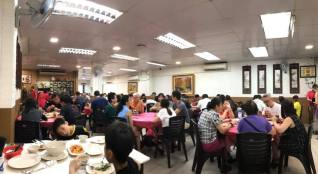 quite crowded n a monday dinner