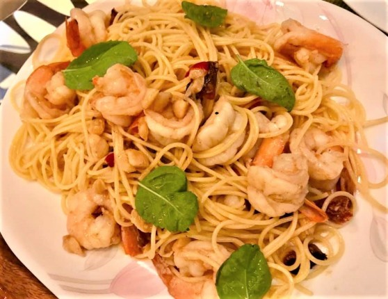 chorizo prawns spaghetti