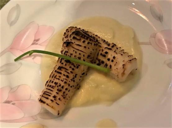 flamed squid on cauliflower puree2