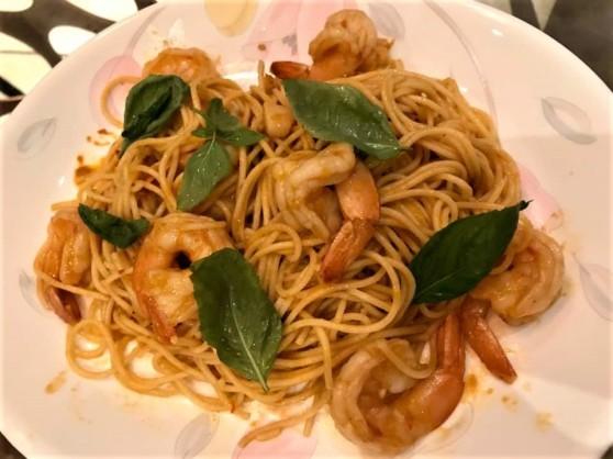 prawn spaghetti in prawn bisque sauce