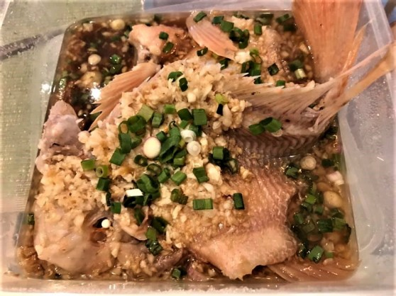 steamed tilapia with minced garlic 蒜蓉蒸尼罗红